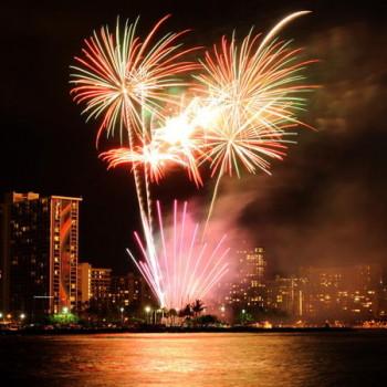 Holokai Waikiki Fireworks Sail